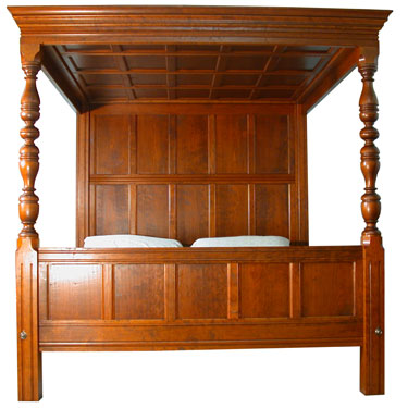 The English Tudor Bed Photo From Foot